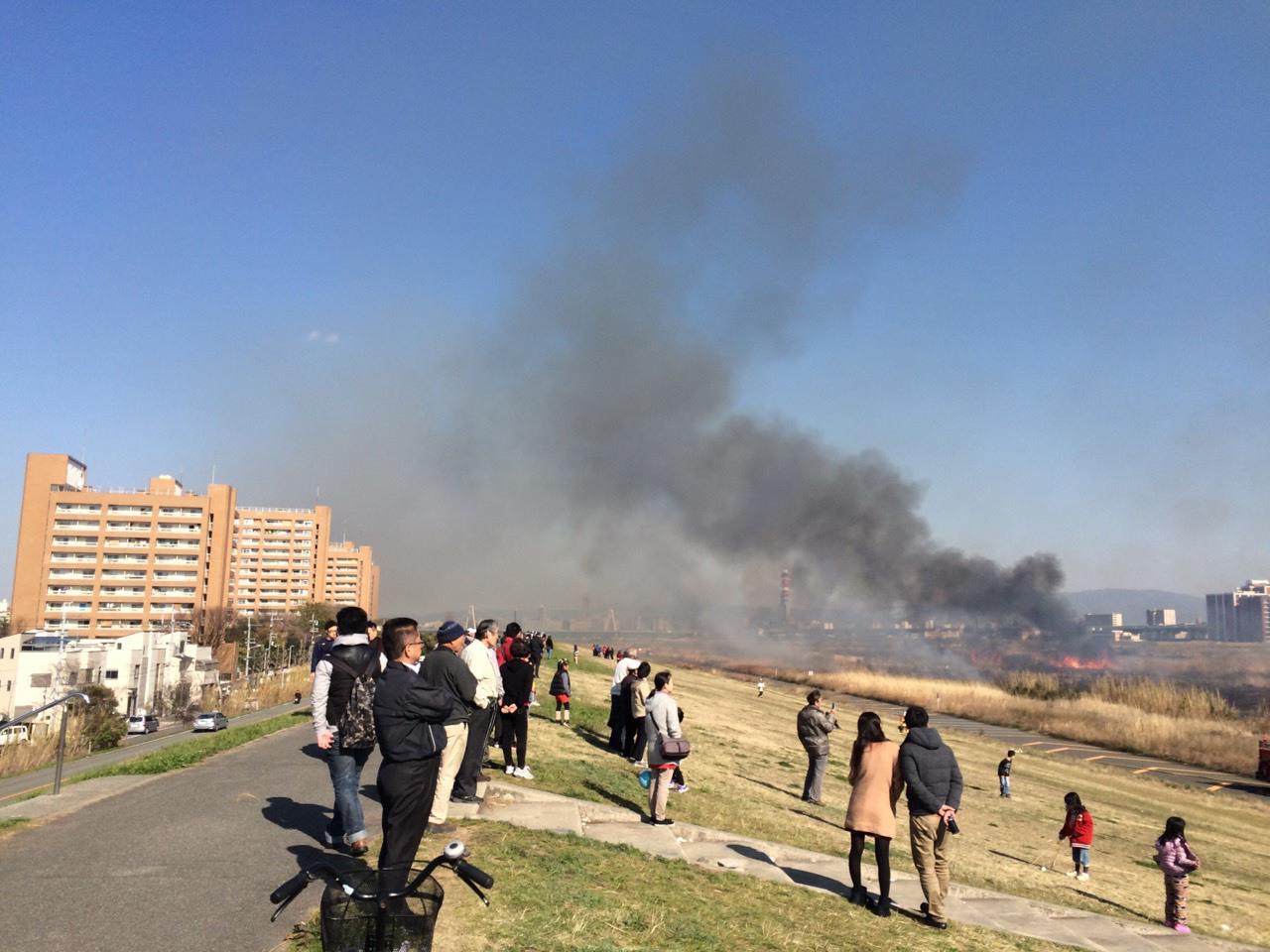 【守口】守口側まで燃えカスが飛んできた淀川の火災現場はこうなっていた!