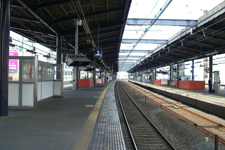 KH-MoriguchishiStation-Platform