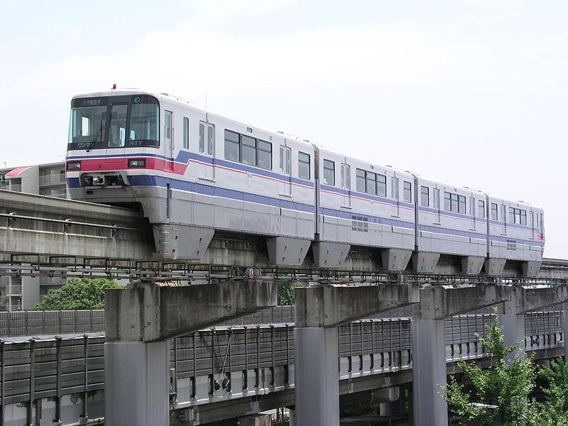 800px-OsakaMonorail1000Series01