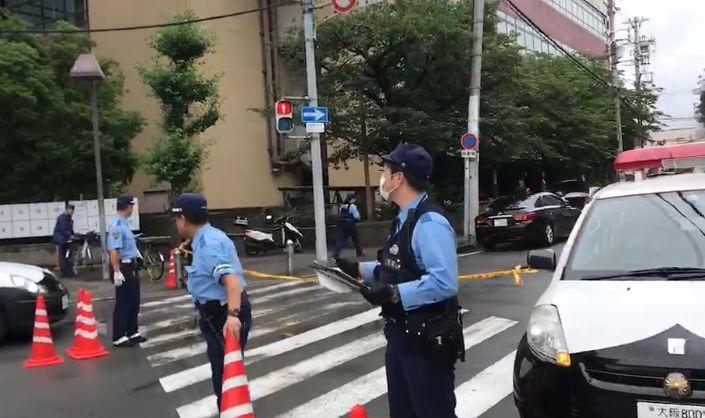 【守口市】[速報]7/1朝9時頃、守口市民体育館の裏で、車内でナイフが刺さっている状態の人が見つかる事件があったようです!パトカーや警察官が多数!(※追記あり)